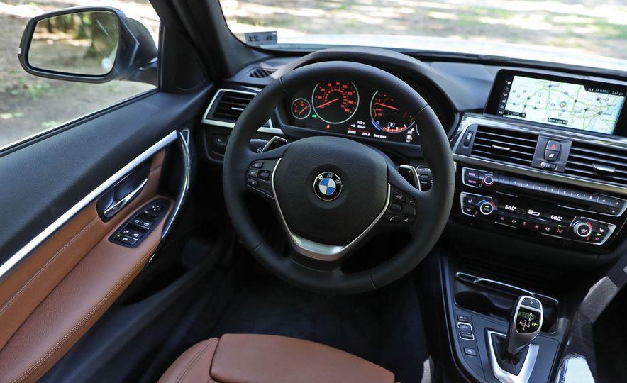 2017 BMW 330i - Slide 20
