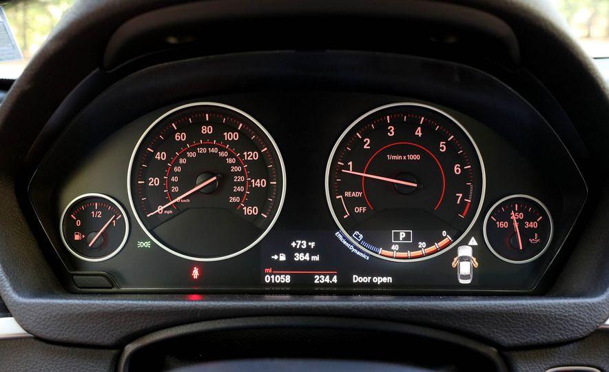 2017 BMW 330i - Slide 23