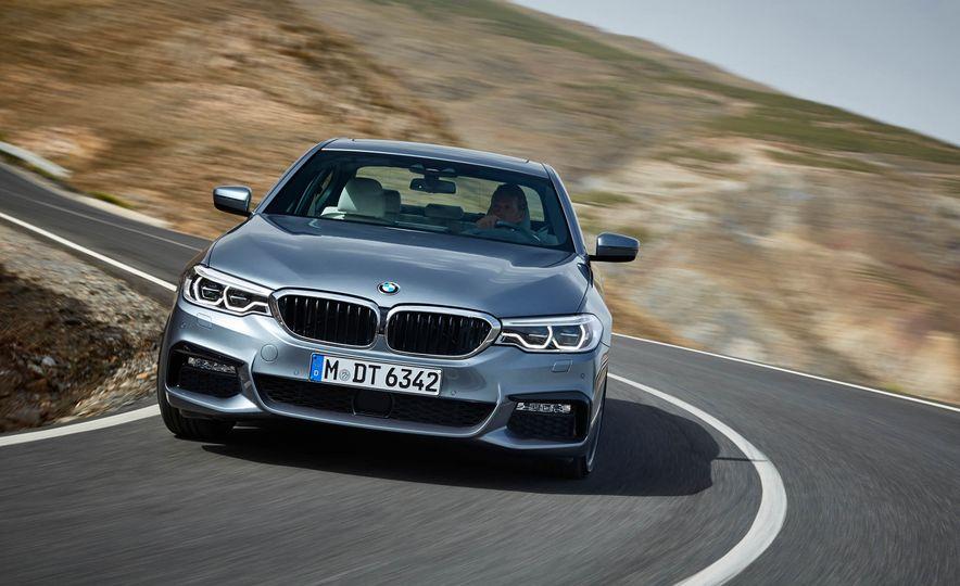 2017 BMW 540i (Euro-spec) - Slide 1