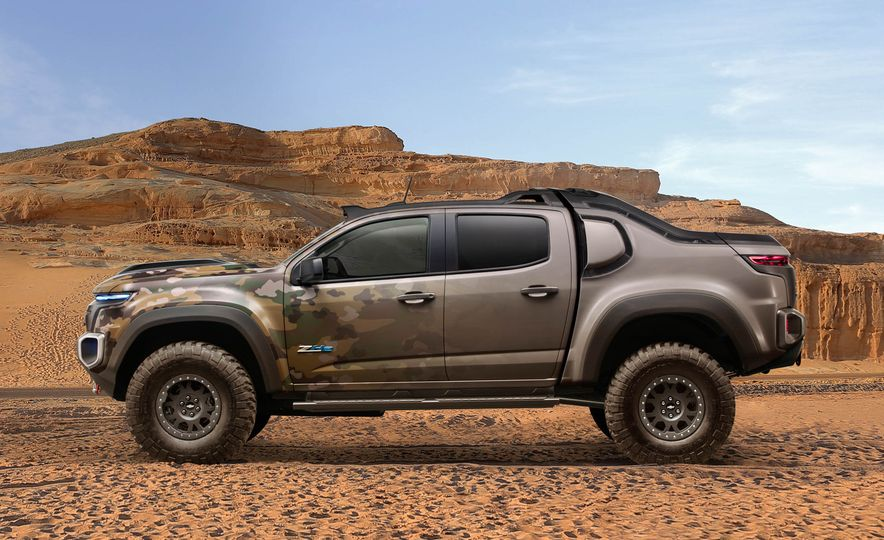 2017 Chevrolet Colorado ZH2 - Slide 2