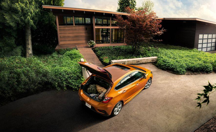 2017 Chevrolet Cruze diesel sedan - Slide 16