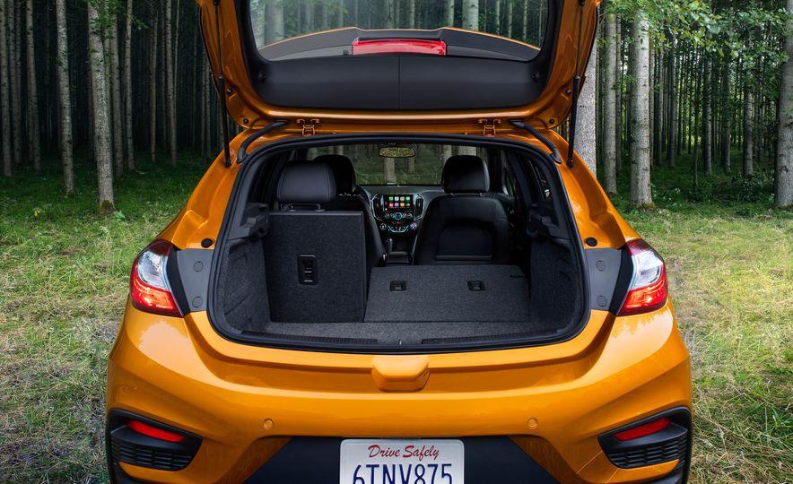 2017 Chevrolet Cruze diesel sedan - Slide 21