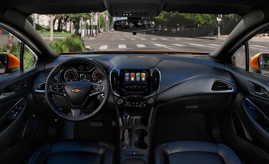 2017 Chevrolet Cruze diesel sedan - Slide 18