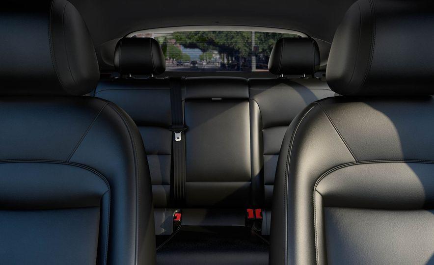 2017 Chevrolet Cruze diesel sedan - Slide 19