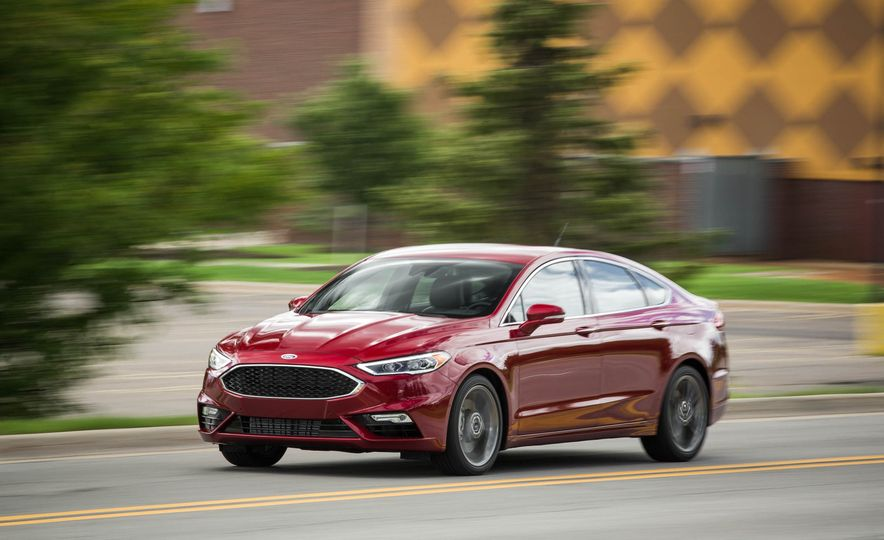 2017 Ford Fusion Sport - Slide 2