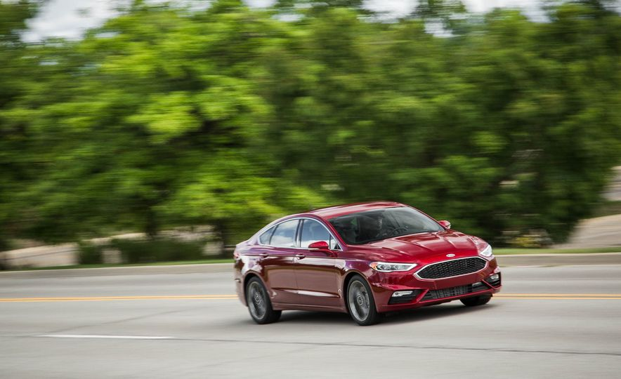 2017 Ford Fusion Sport - Slide 3