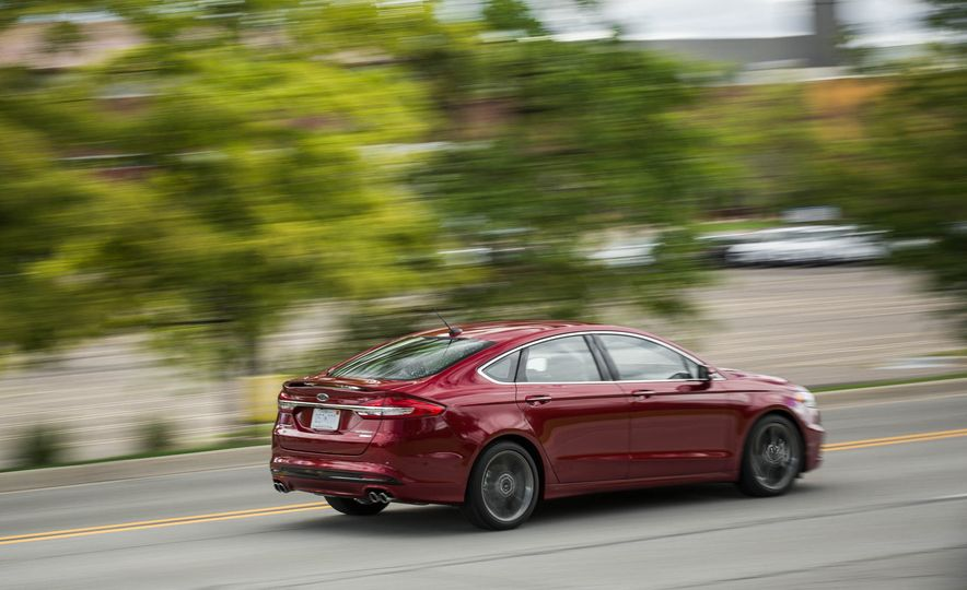 2017 Ford Fusion Sport - Slide 6