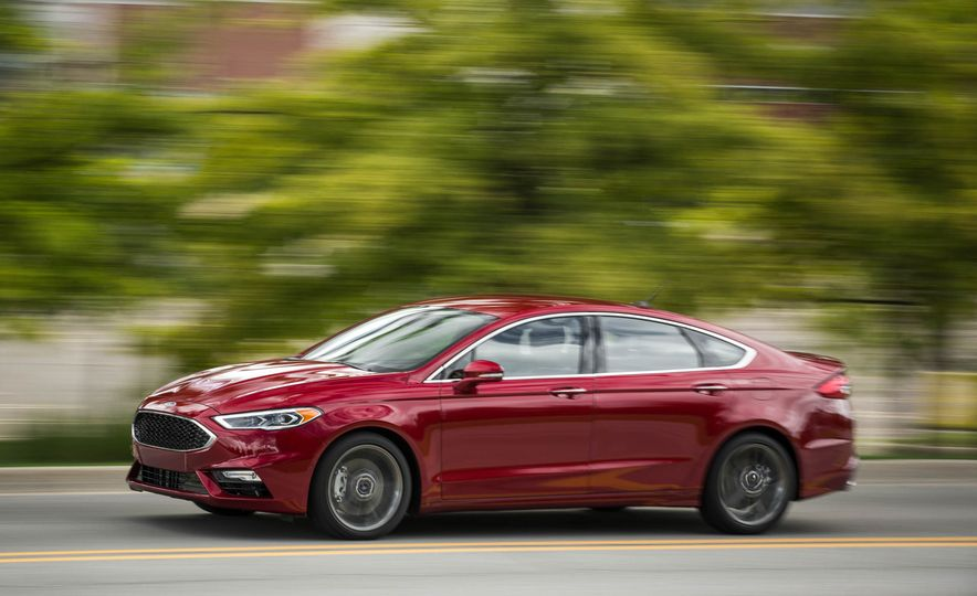 2017 Ford Fusion Sport - Slide 8