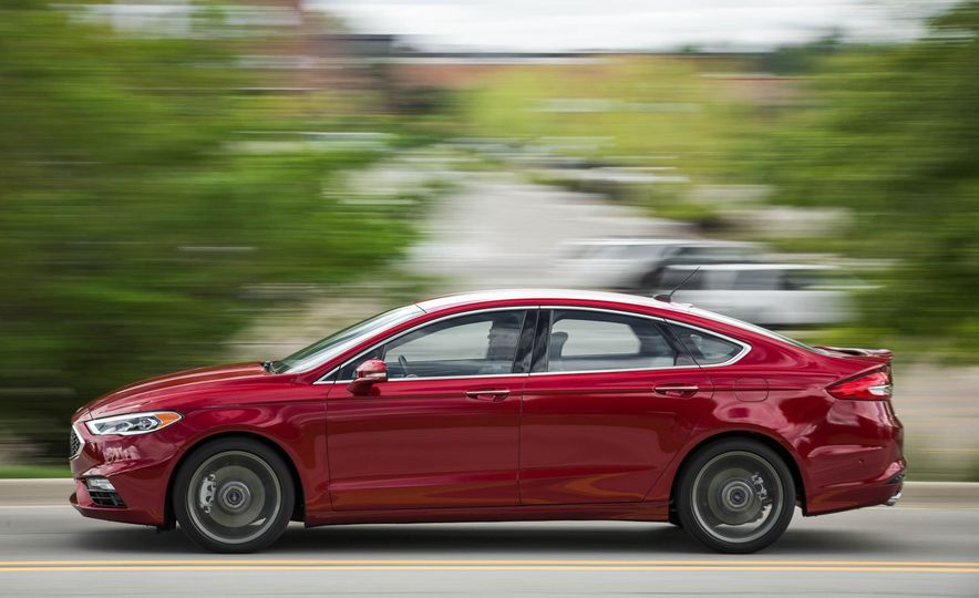 2017 Ford Fusion Sport - Slide 9