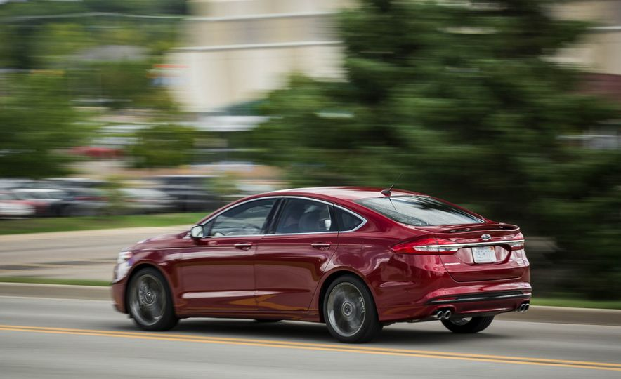 2017 Ford Fusion Sport - Slide 10