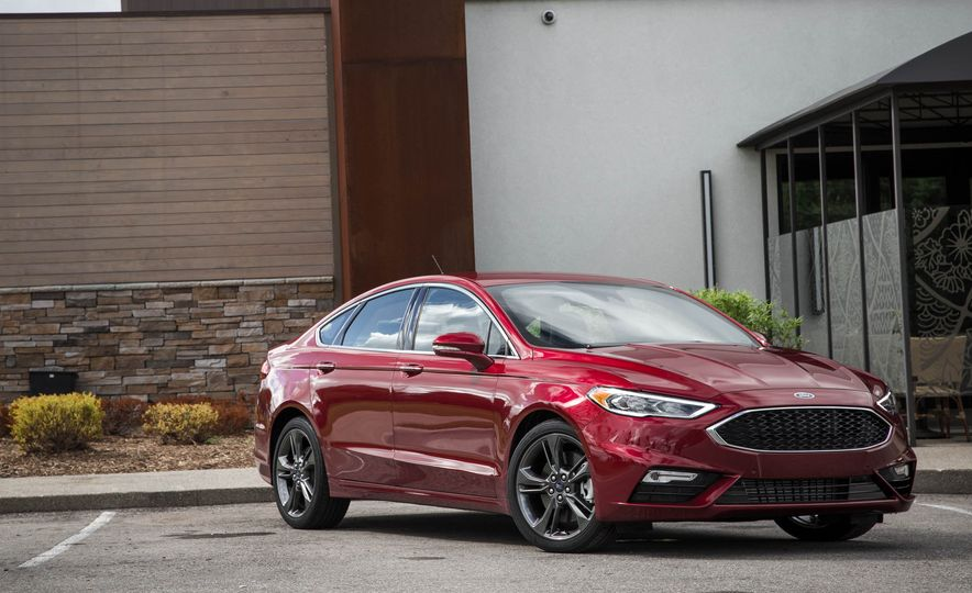 2017 Ford Fusion Sport - Slide 11
