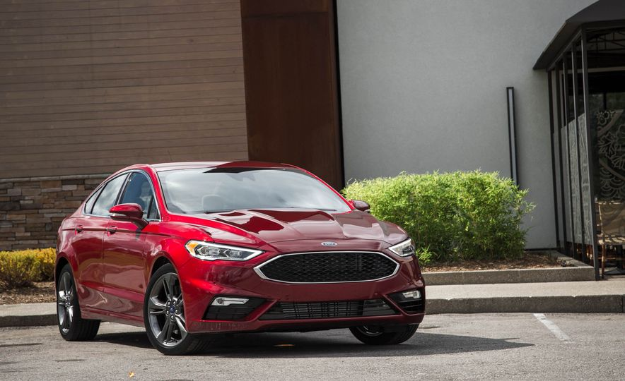 2017 Ford Fusion Sport - Slide 12