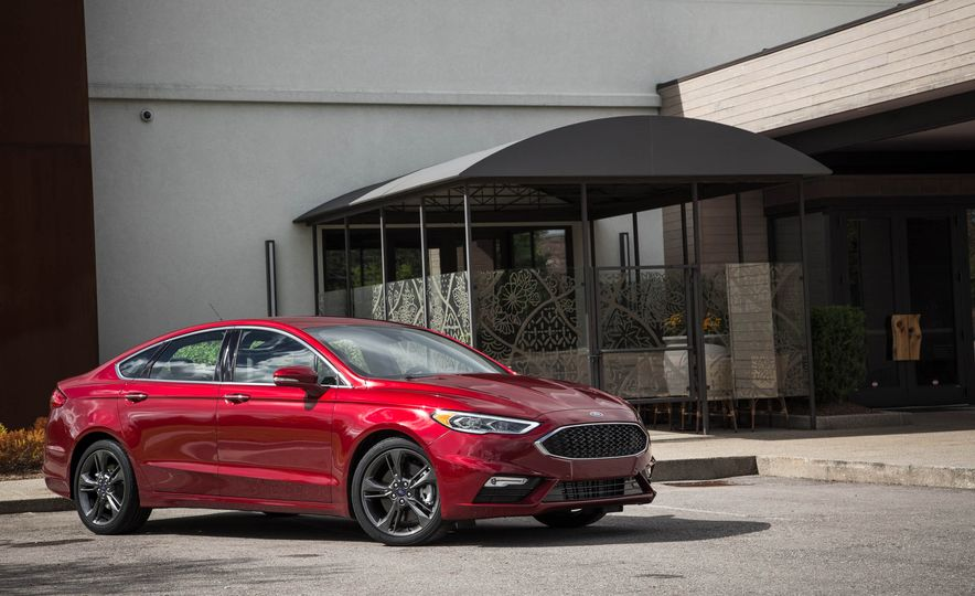 2017 Ford Fusion Sport - Slide 13