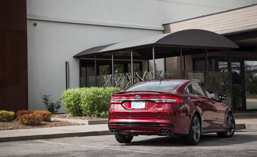 2017 Ford Fusion Sport - Slide 15