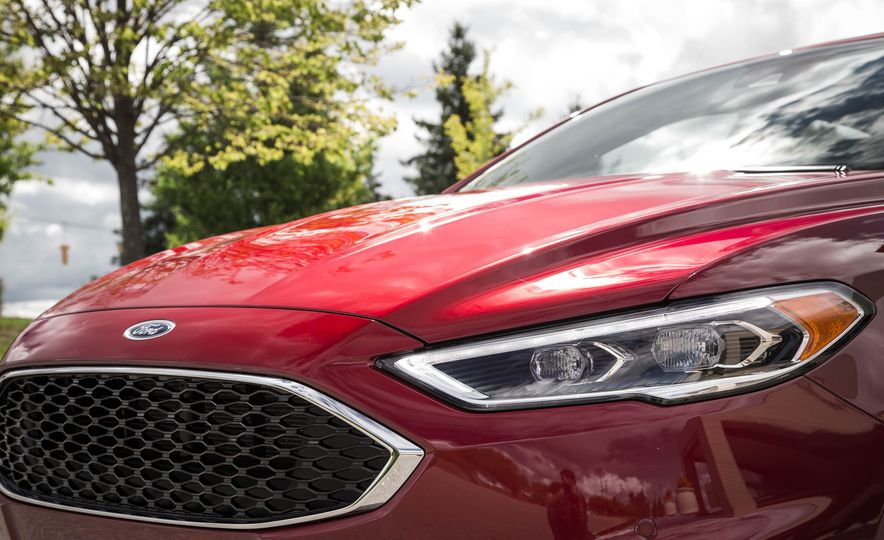 2017 Ford Fusion Sport - Slide 17