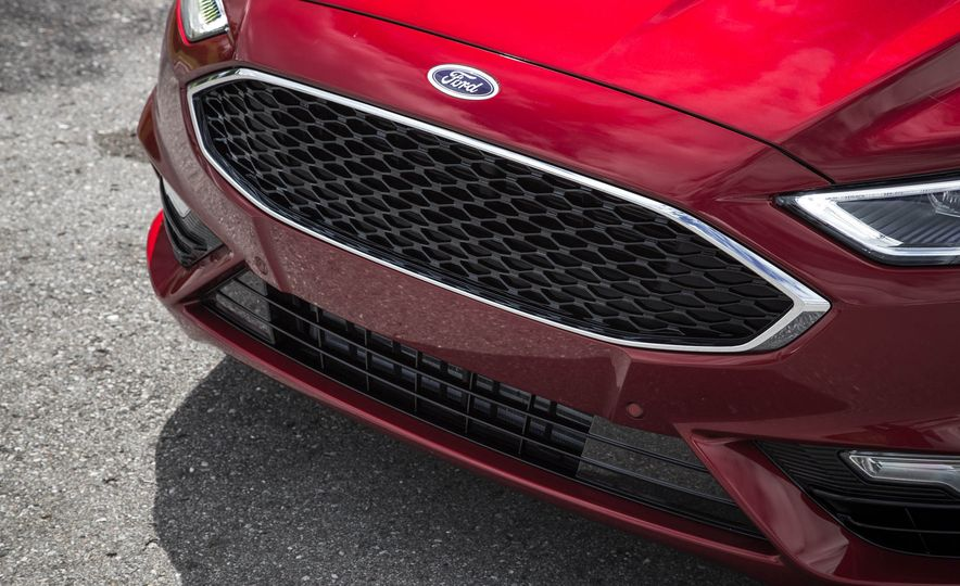 2017 Ford Fusion Sport - Slide 18