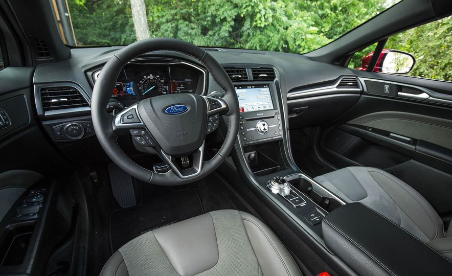 2017 Ford Fusion Sport - Slide 35