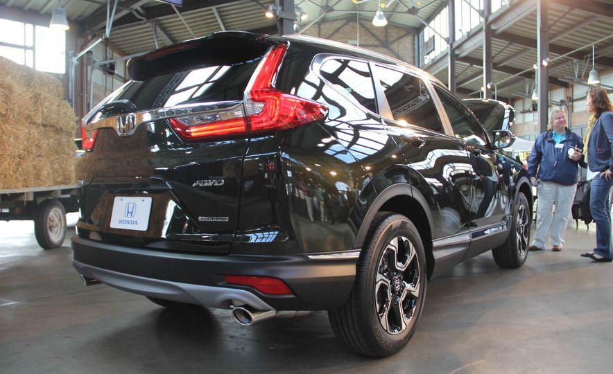 2017 Honda CR-V Touring AWD - Slide 15