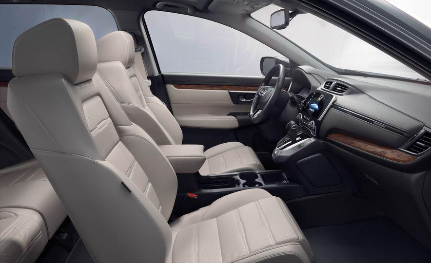 2017 Honda CR-V Touring AWD - Slide 24