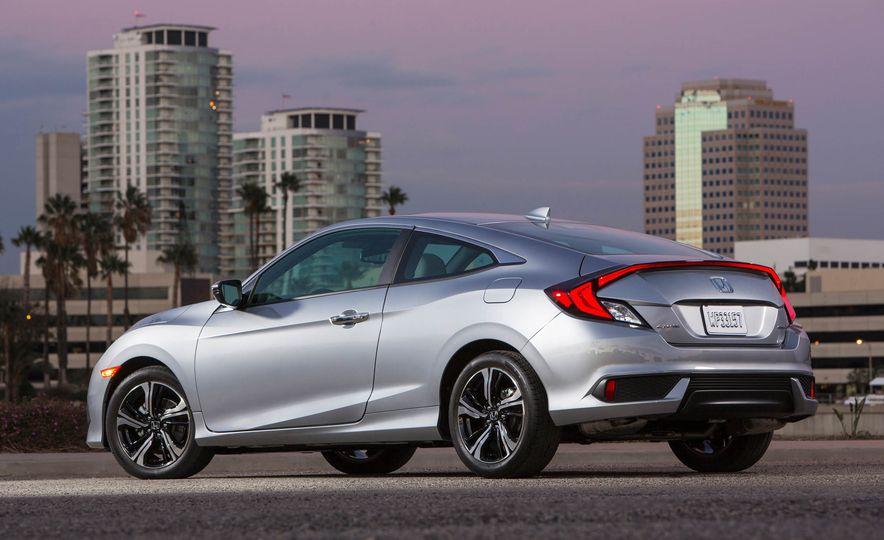 2017 Honda Civic coupe - Slide 6
