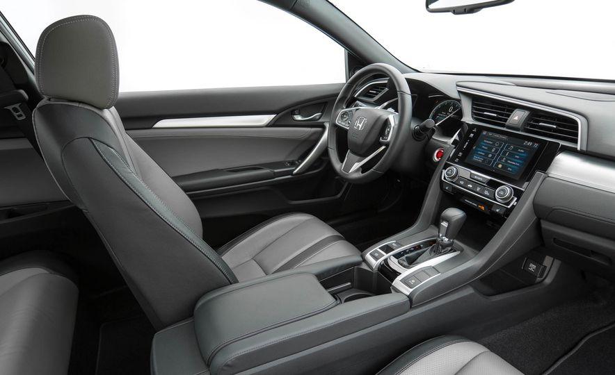 2017 Honda Civic coupe - Slide 9