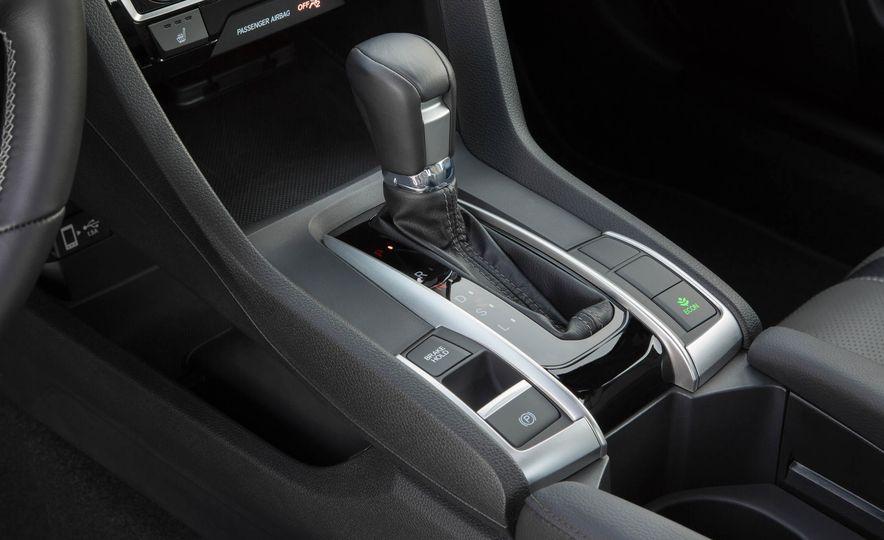 2017 Honda Civic coupe - Slide 15