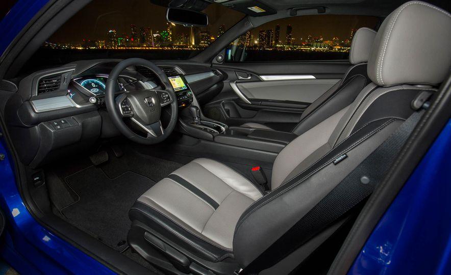 2017 Honda Civic coupe - Slide 30