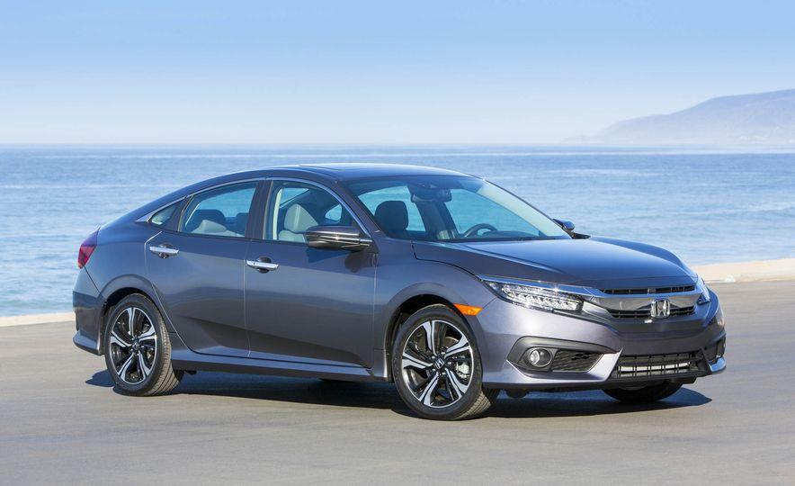 2017 Honda Civic coupe - Slide 32