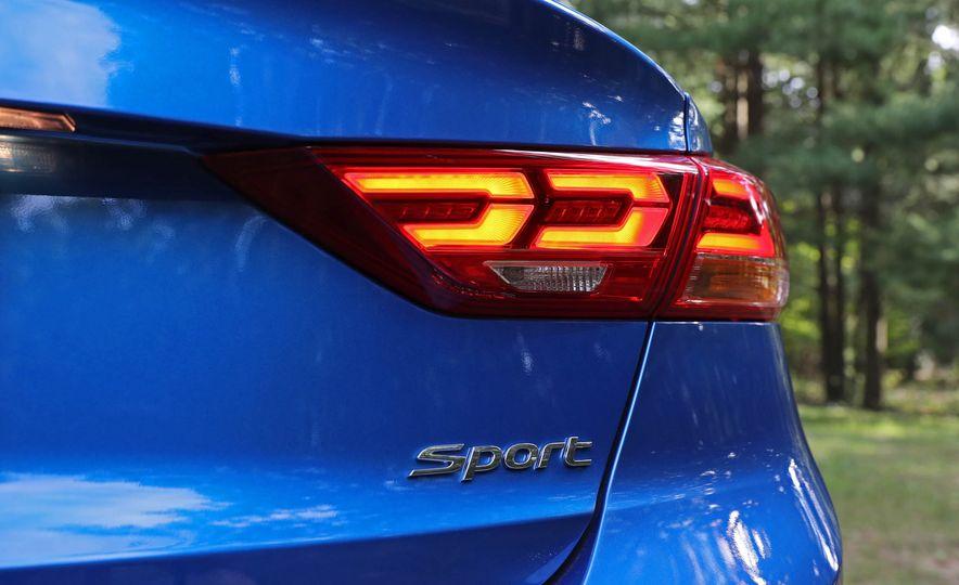 2017 Hyundai Elantra Sport - Slide 27