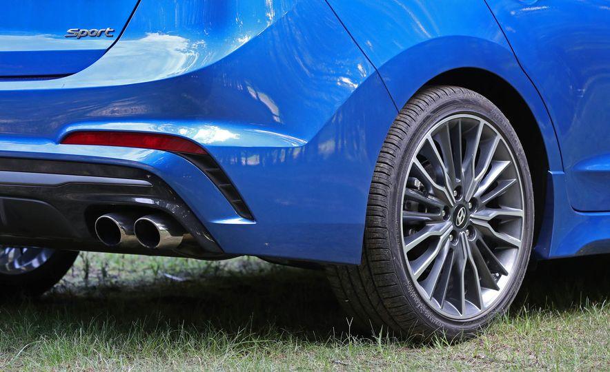 2017 Hyundai Elantra Sport - Slide 28