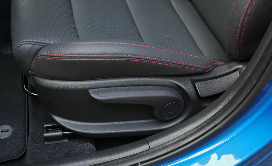 2017 Hyundai Elantra Sport - Slide 31