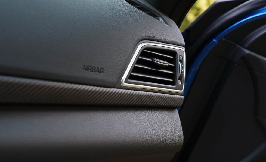 2017 Hyundai Elantra Sport - Slide 38