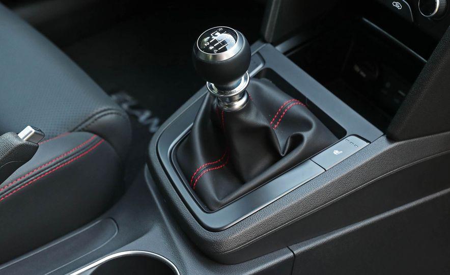 2017 Hyundai Elantra Sport - Slide 44