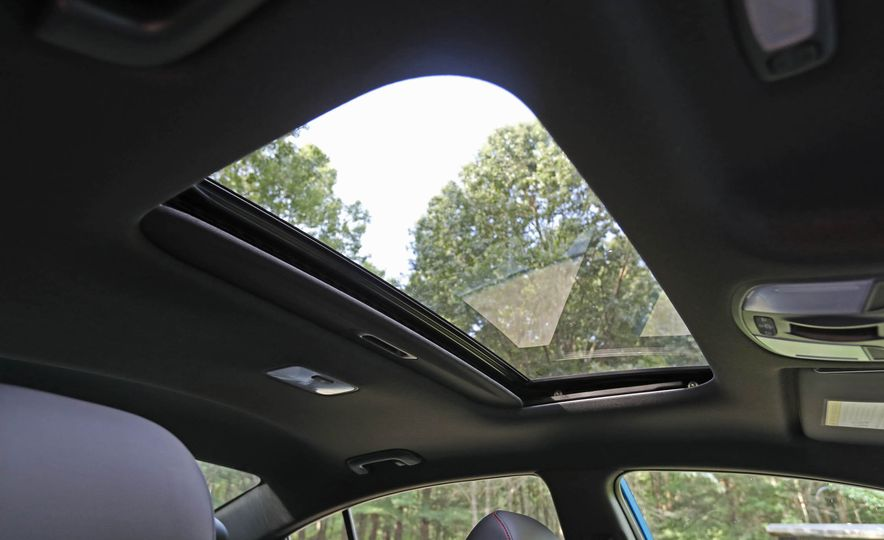 2017 Hyundai Elantra Sport - Slide 46