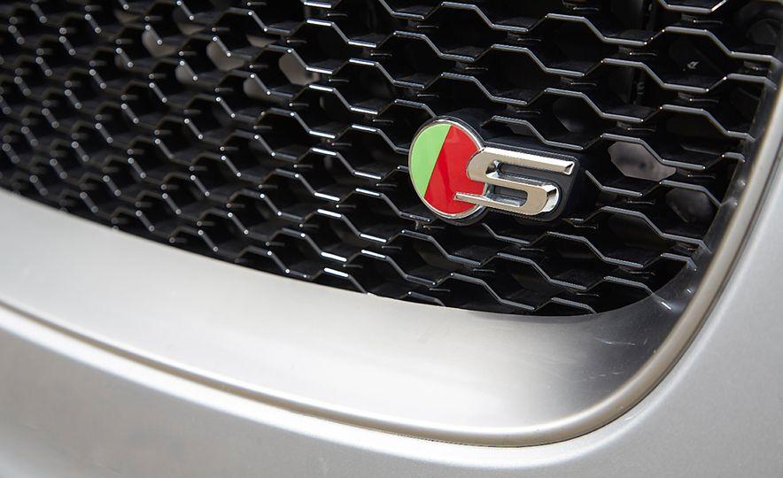 2017 Porsche Macan GTS and 2017 Jaguar F-Pace S First Edition - Slide 14
