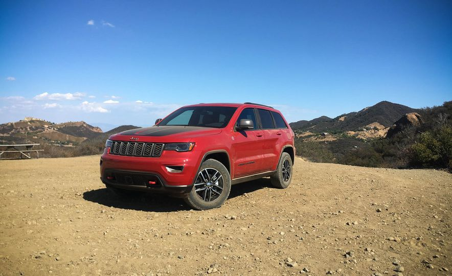 2017 Jeep Grand Cherokee Trailhawk - Slide 2