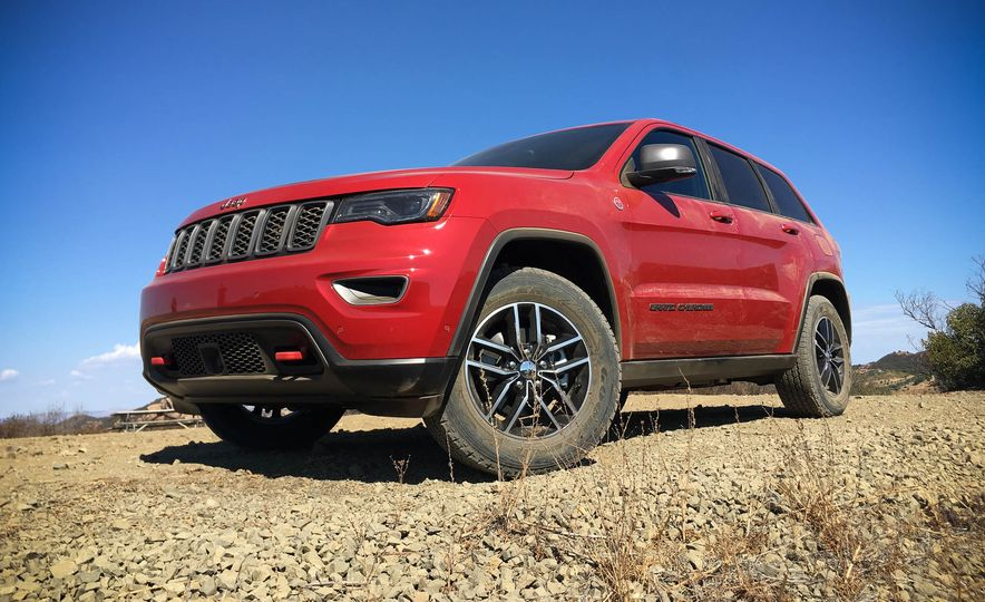 2017 Jeep Grand Cherokee Trailhawk - Slide 3