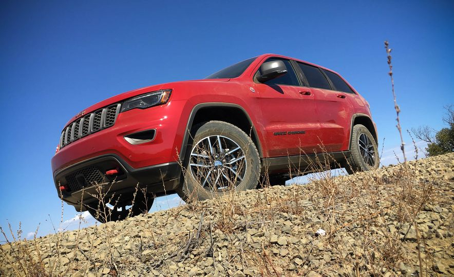 2017 Jeep Grand Cherokee Trailhawk - Slide 4