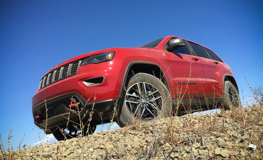 2017 Jeep Grand Cherokee Trailhawk - Slide 5