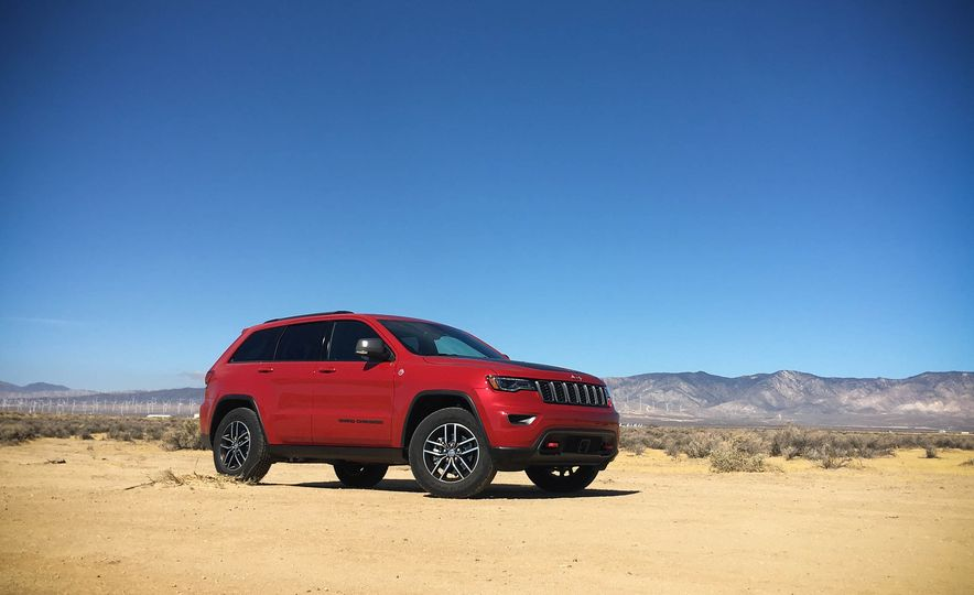 2017 Jeep Grand Cherokee Trailhawk - Slide 6
