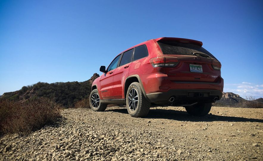 2017 Jeep Grand Cherokee Trailhawk - Slide 9