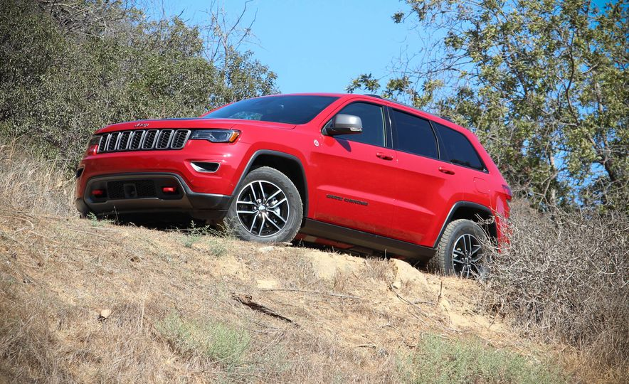2017 Jeep Grand Cherokee Trailhawk - Slide 16