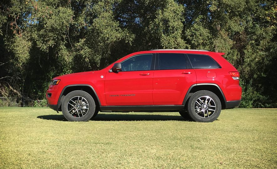 2017 Jeep Grand Cherokee Trailhawk - Slide 19