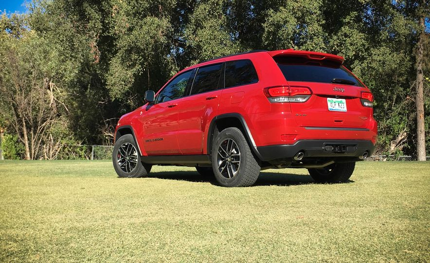 2017 Jeep Grand Cherokee Trailhawk - Slide 20