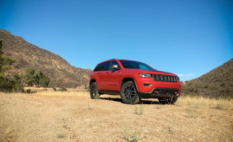2017 Jeep Grand Cherokee Trailhawk - Slide 1