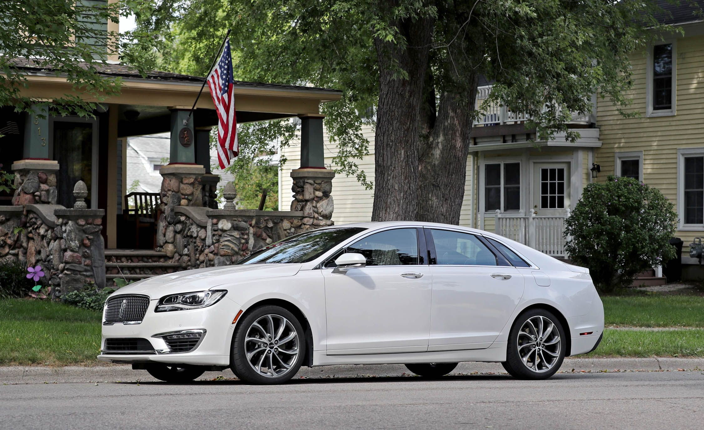2019 Lincoln Mkz Reviews Price Photos And Specs Car Driver