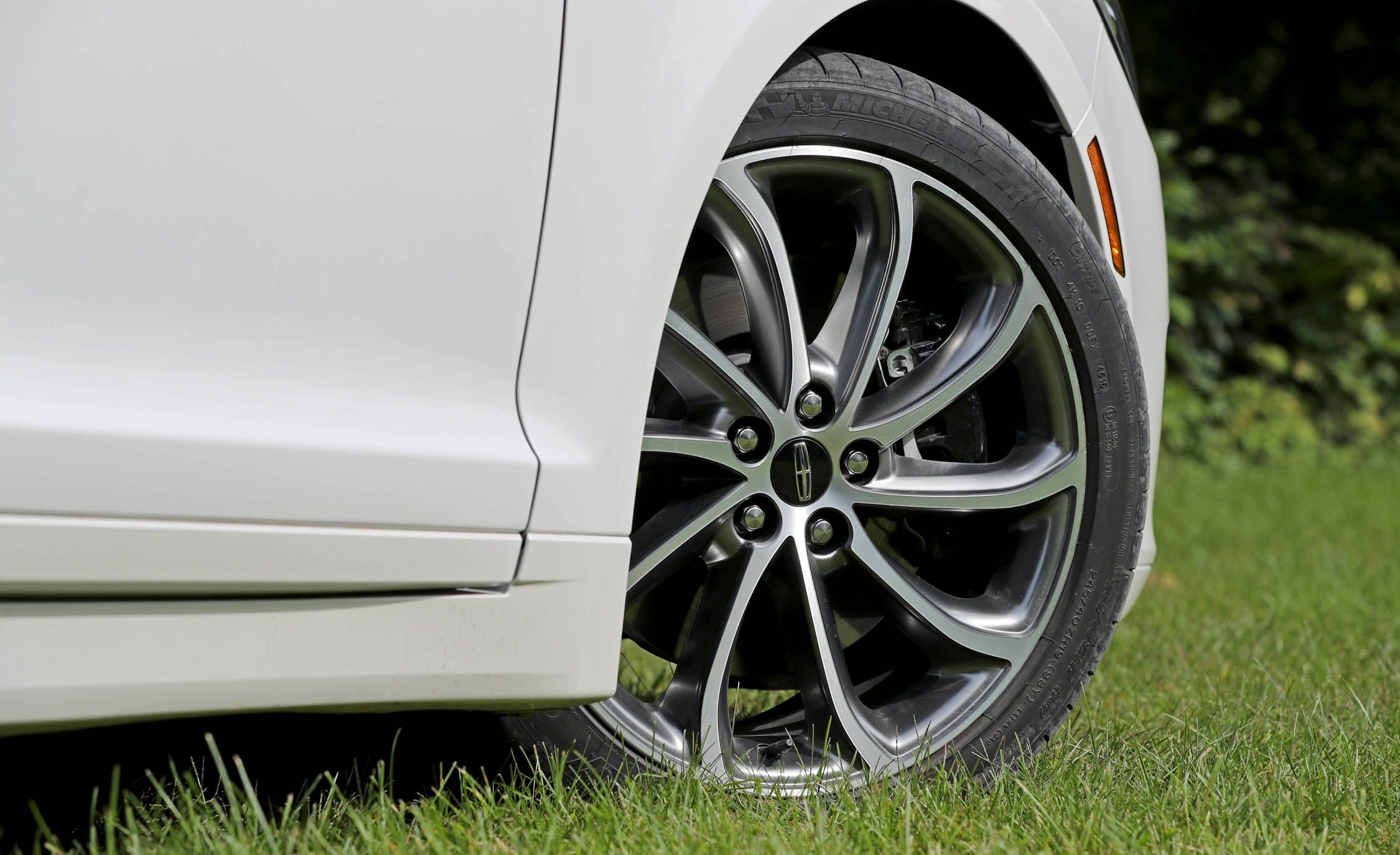 Lincoln Mkz Reviews Price Photos And Specs Car Buick 350 V8 Engine Diagram Driver
