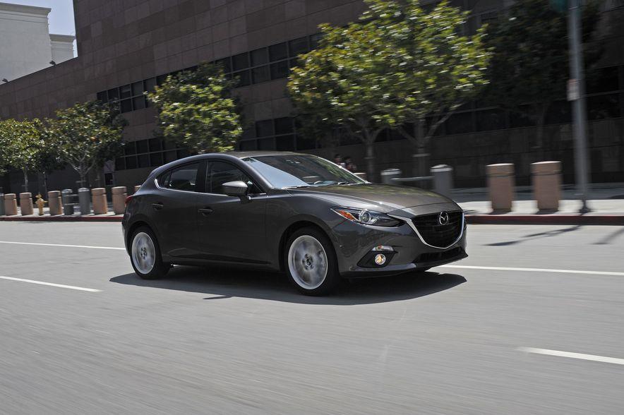 2017 Mazda 3 - Slide 1