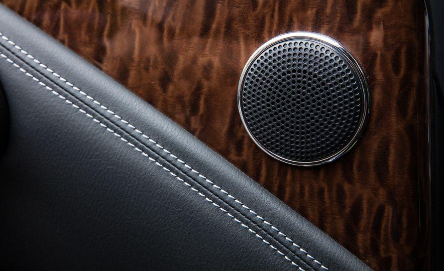 2017 Nissan Armada Platinum - Slide 14