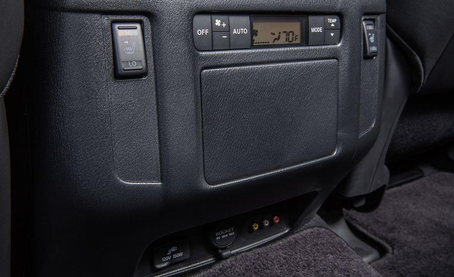 2017 Nissan Armada Platinum - Slide 15